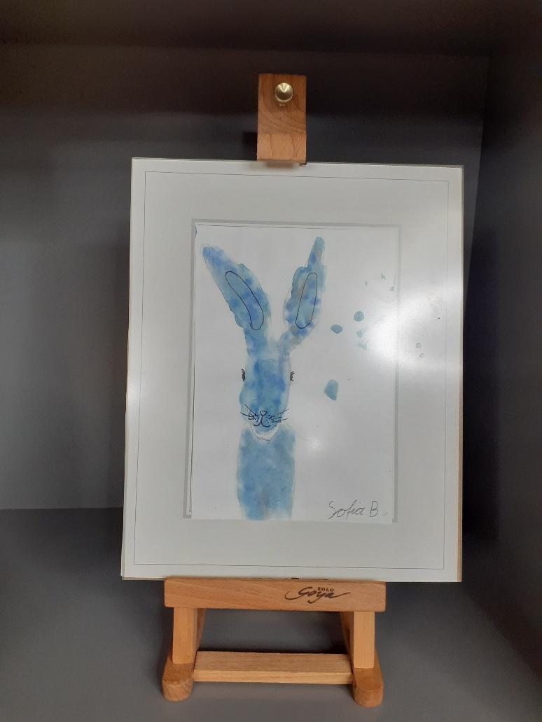 Ein blauer Hase